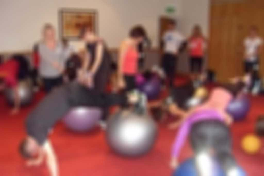 Fitball.JPG blurred out