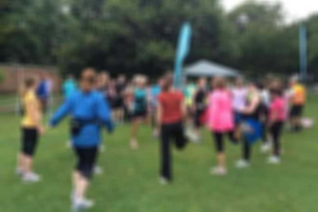 Begs_warm_up_at_parkrun_300.jpg blurred out