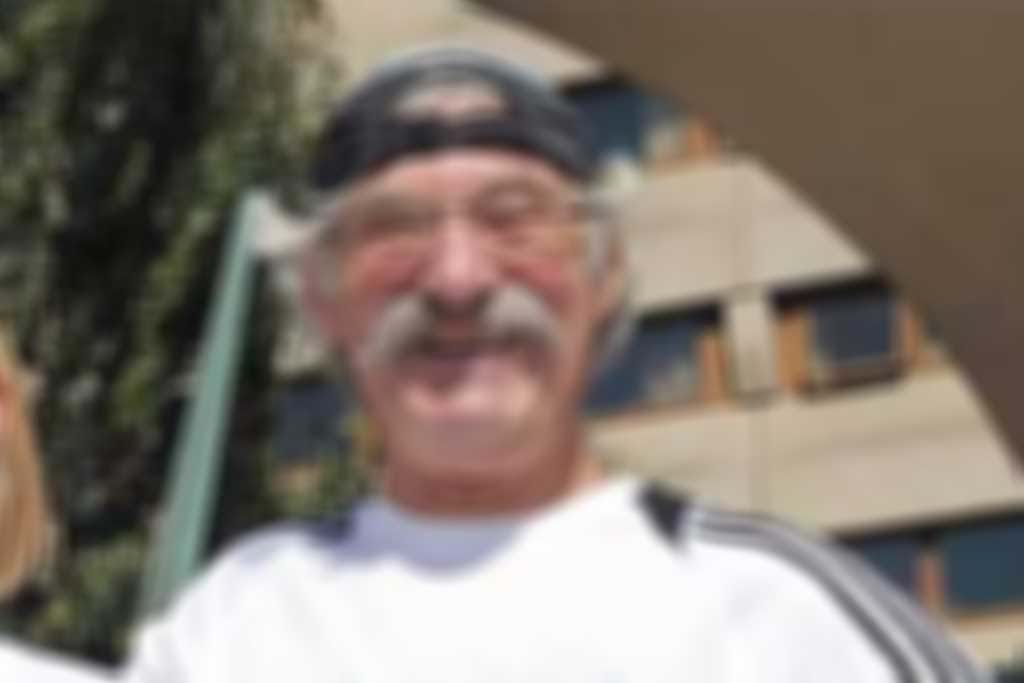 Dave_Bedford.jpg blurred out