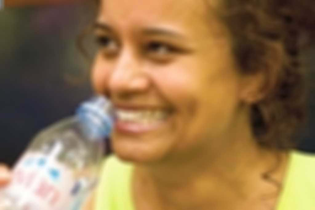 woman_drinking_300.jpg blurred out