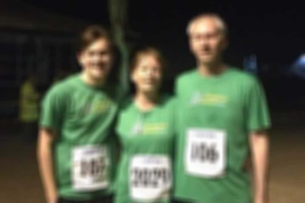 Cathie_Walsh_son_and_hubbie_in_club_shirts_after_our_5mile_Weston_Prom_Run300.jpg blurred out